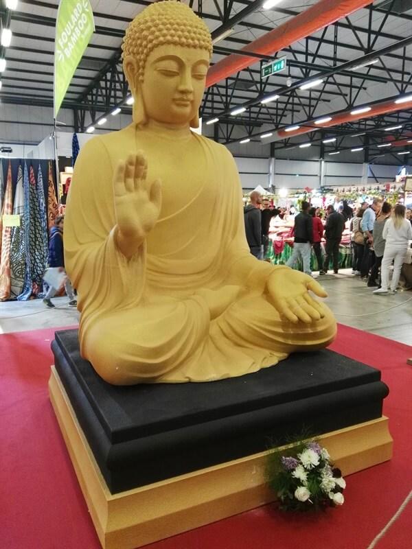 statua-festival-oriente-perugia