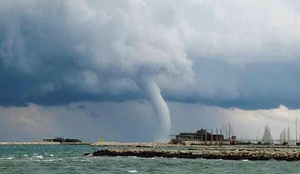 La tromba d'aria sul litorale adriatico a giugno 2018