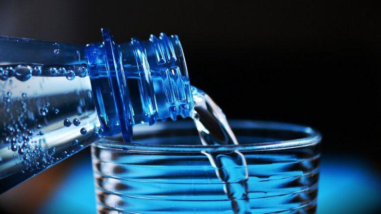 Come scegliere l'acqua minerale in bottiglia